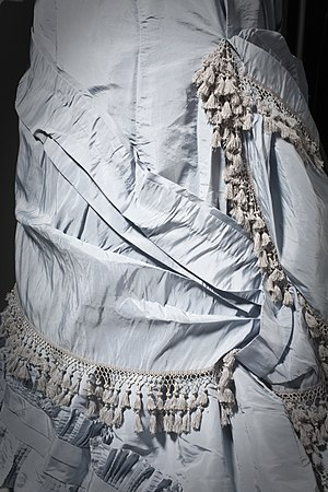 Taffeta - Detail of a c. 1880 dress made of silk taffeta