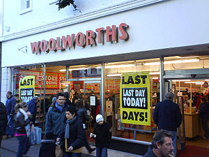 Closeout (sale) - Woolworths in Keswick on its final day of trading in December 2008
