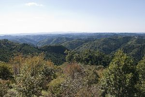 Yamizo Mountains from Mt.Shakujo 02.jpg