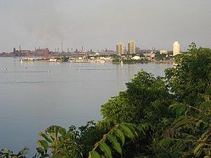 York Boulevard - Hamilton Harbour, view from Harvey Park, just West of Dundurn Park