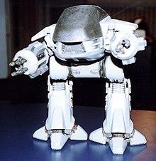 Фотография миниатюрной модели ЭД-209.
