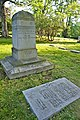 Yung Wing Grave 2012 FRD 4735.jpg