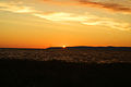 Zalew Wiślany o wschodzie słońca widok na wysoczyznę Elbląską.jpg