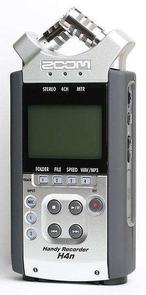 Zoom H4n Handy Recorder - A H4n Digital Recorder