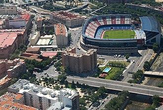 Arganzuela - Image: (Vista parcial de Arganzuela y del Calcerón) Aprobado el nuevo ámbito Mahou Calderón (01) (cropped)