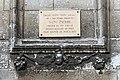 Église Saint-Pierre d'Auxerre - plaque mentionnant l'ancienne abbaye Saint-Pierre.jpg