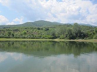 Lake Kerkini - Image: Το όρος Κρούσια από τη Λίμνη Κερκίνη