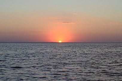 Захід сонця на лимані 2015.jpg