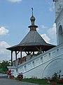 Навершие над разрушенной колокольней.JPG