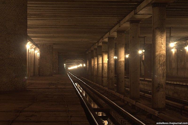 File:Перегон метро.jpg