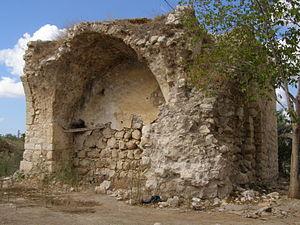 Al-Tira, Ramle - Image: מבנה ליד בית המוכתר