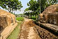 মহাস্থানগড় দুর্গ নগরীতে প্রবেশপথ.jpg