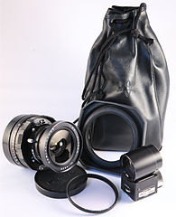 0201 Mamiya Universal 75mm f5.6 lens with finder hood filter pouch (5254416705).jpg