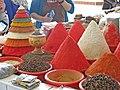 063 Buxoro Markaziy Bozori, mercat central de Bukharà, espècies.jpg