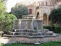 101 Sant Jeroni de la Murtra, brollador del claustre.JPG