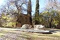 10 Madrid El Retiro ruinas ermita romanica lou.JPG