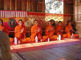 Risultati immagini per Nel buddismo si cantillano frasi del Buddha