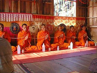 Buddhist chant - Buddhist monks chanting