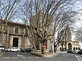 185 Campo Valdés (Cimavilla, Gijón), amb el palau dels Valdés i al fons San Pedro.jpg