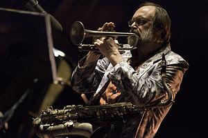 Scott Robinson (jazz musician) - Robinson performing at the International Jazz Festival of Punta del Este in 2015