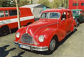 Eisenacher Motorenwerk - 1952-1955 EMW 340, with a redesigned grille