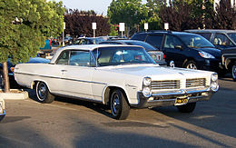 Una Pontiac Catalina hard-top del 1964