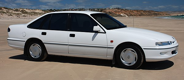 1988 1991 holden vn calais with Holden Vp  Modore on Holden  modore  VN also Voitures D Australie F P V 2002 as well 1994 besides 162064659783 additionally Vp  modore Problems.