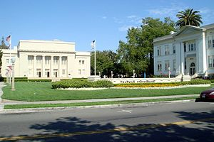 Chapman University - Williams Mall, with Memorial Hall (left) and Smith Hall (right)