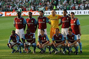 Carlos Cuéllar - Cuéllar (back, third from left) in the Villa starting eleven in 2009.