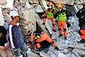 2010년 중앙119구조단 아이티 지진 국제출동100118 중앙은행 수색재개 및 기숙사 수색활동 (205).jpg