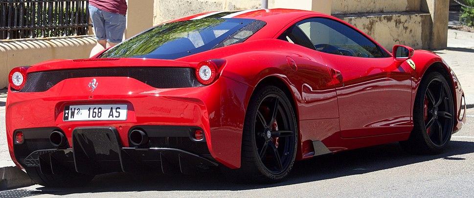 2013-2015 Ferrari 458 Speciale coupe (2017-11-18) 03
