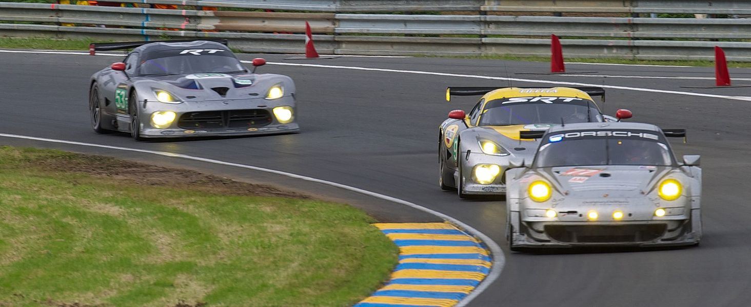 53/#93 SRT Viper GTS-R (SRT Motorsports) LMGTE Pro and #77 Porsche 911 GT3 RSR (Dempsey-Del Pietro Proton) LMGTE AM