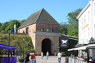 Halmstad - Image: 2015 07 01 Stadttor in Halmstad RB1278