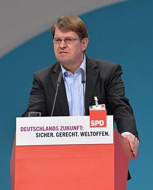 Ralf Stegner - Image: 2015 12 Ralf Stegner SPD Bundesparteitag by Olaf Kosinsky 1