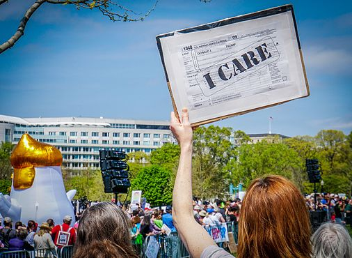 2017.04.15 -TaxMarch Washington, DC USA 02334 (33675097440).jpg