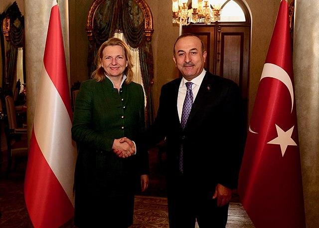 Австрийский министр Карин Кнайсль поблагодарила Турцию за возобновление раскопок в Эфесе