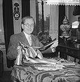 25 december aanstaande hoopt Willem Hespe 85 jaar te worden Hespe met linten, Bestanddeelnr 911-8907.jpg