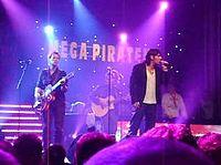 3Js tijdens Mega Piraten Festijn in Marum (2008).jpg