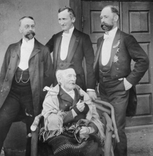 Ferdinand Julian Egeberg - Egeberg (back right) with family members