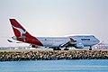 70ao - Qantas Boeing 747-400; VH-OJG@SYD;04.09.1999 (4713290206).jpg