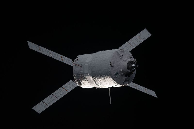 File:ATV-3 approaches the International Space Station 3.jpg