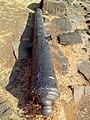 Abandoned cannon at Khanderi 01.jpg