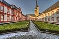 Abtei Brauweiler Innenhof 02.jpg