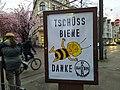 Adbusting kritisiert Phrarma-Unternehmen für Insektensterben 01.jpg