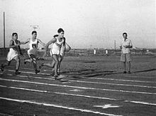 Finishing sprint of Adin Talbar to become national 800 meter champion in 1942