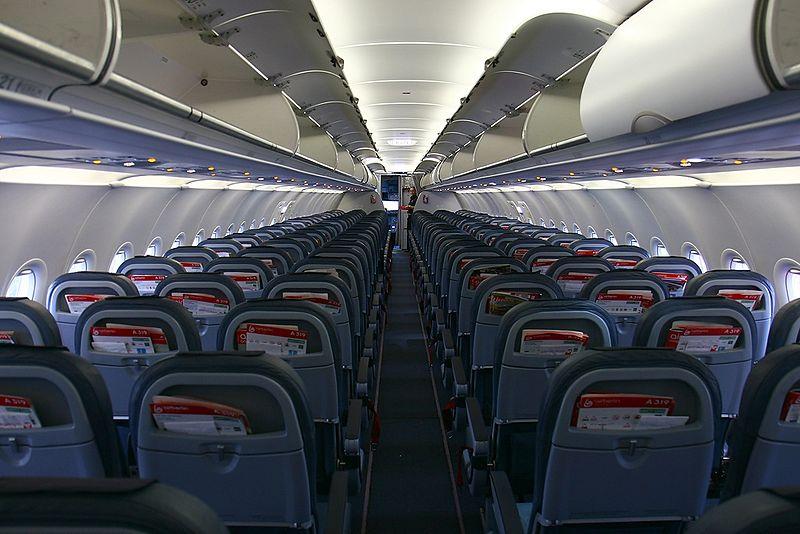 Airbus A319-111, Air Berlin AN1584645.jpg
