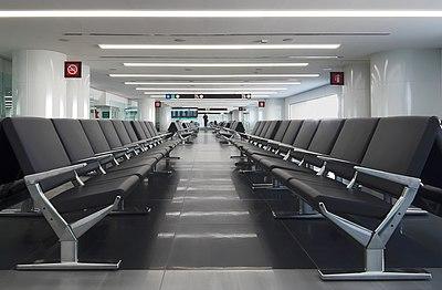 Airport hall 75p4.jpg