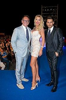 Valeria Marini con Alessandro Cecchi Paone alla finale di Miss Europe Continental 2015.