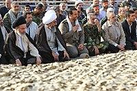 Ali Khamenei in Rahian-e Noor029.jpg