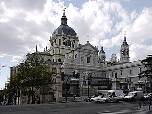 English: The Almudena Cathedral in Madrid. Vie...